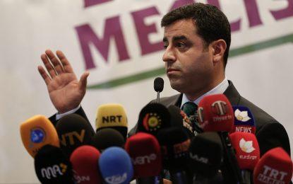 Кюрдски лидер предупреди, че Турция върви към гражданска война