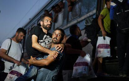 Хърватия изненада унгарските власти с влак с 1000 имигранти