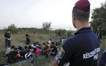 Покрай бежанците унгарската полиция бие и журналистите