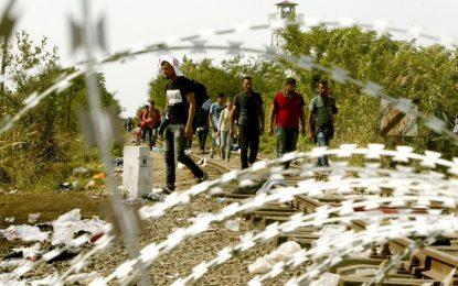 Сърбия спира с армия мигрантите от България