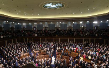 Папа Франциск изправи на крака Конгреса на САЩ