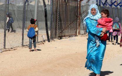 Бежанци бягат от бежанските лагери обратно в Сирия