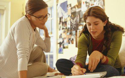 500 българчета учат у дома. ВУЗ не ги признават