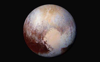 Защо е толкова червена водата на Плутон