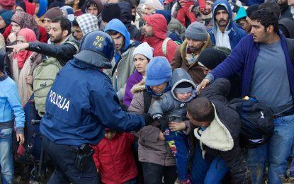 Над 600 000 имигранти са минали през Сърбия през 2015 г.