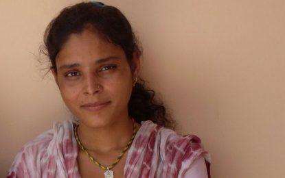 Индийка, омъжена като бебе, се разведе