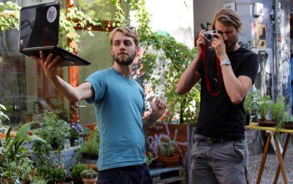Германци правят бежанците програмисти