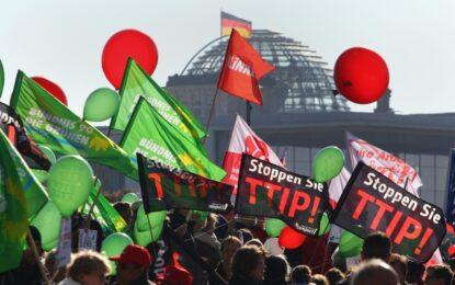 Берлин излезе на протест срещу TTIP