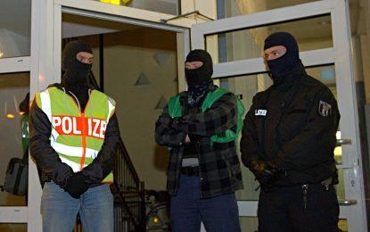 Германия арестува двама души за тероризъм