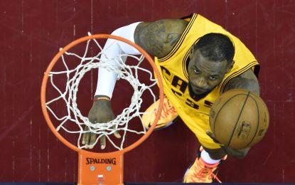 """Избрано от НБА: ЛеБрон спаси """"Кевс"""" от провал срещу """"Джаз"""""""