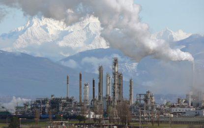Европа отваря обятия за мръсния нефт на Канада