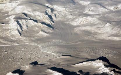 Антарктика всъщност трупа лед, твърди НАСА