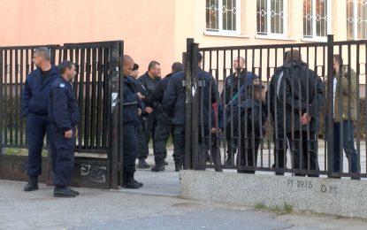 Ден на траур в Сливен, психолози в училището на убитата Симона