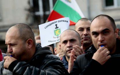 Синдикати в МВР готвят протести заради минус в бюджета