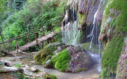 Срутване на Крушунските водопади затрупа двама британци