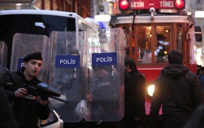 И Турция задържа двe новогодишни камикадзета
