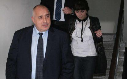 Есемесът на Борисов показва, че няма разделение на властите