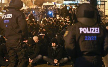 Полицията в Лайпциг арестува 211 крайнодесни вандали