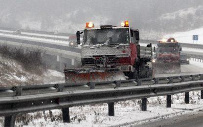 Северна България закъса в снега