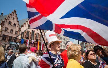 """Англия в спор за """"Бог да пази кралицата"""""""