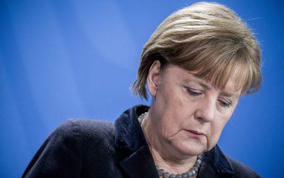 Меркел улеснява депортацията на бежанци