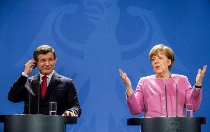Меркел настоя незаконната миграция от Турция да спре