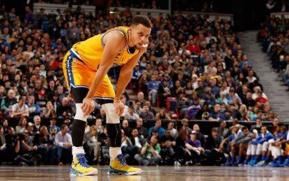 """Избрано от НБА: """"Уориърс"""" унижиха """"Кевс"""" в Кливланд"""