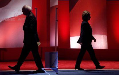 Щабът на Клинтън обвини Русия, че помага на Тръмп