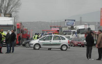 БГ шофьори плашат с контраблокада за гръцките фермери