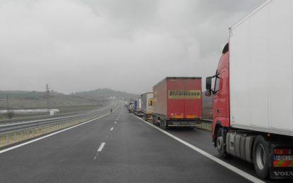 БГ превозвачи спират вноса на гръцките фермери от 1 март