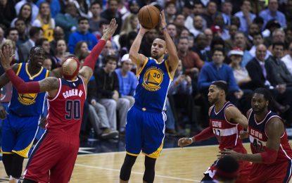 """Избрано от НБА: Къри попиля """"Уизърдс"""" с 51 точки"""