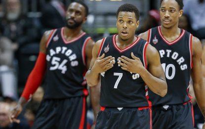 """Избрано от НБА: """"Раптърс"""" спечелиха битката на гардовете срещу """"Блейзърс"""""""