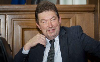 Пеевски определя списъците на КТБ, твърди адвокат на Цветан Василев
