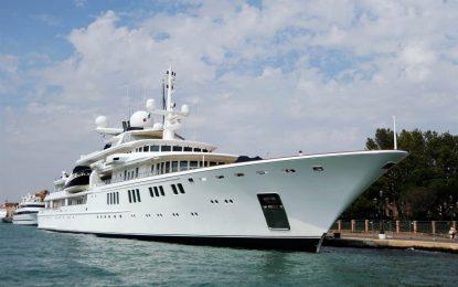Яхта за $100 млн. потроши кораловия риф на Кайманите