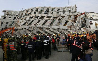 Тайванка оцеля 2 дни под руините от земетресението