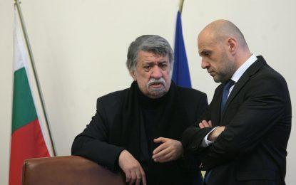 """Властта даде 3.3 милиона за театъра в Пловдив, за да потуши """"пожара"""" със склада"""