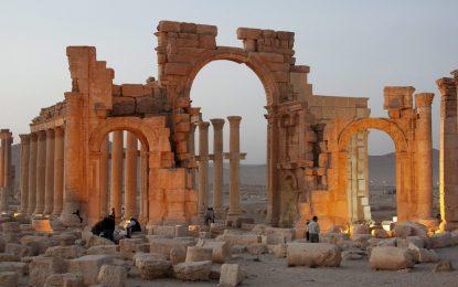 Армията на Асад е пред портите на Палмира