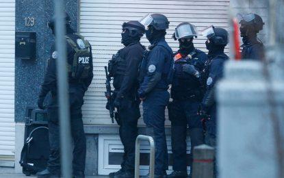 Франция задържа четирима души, планирали атентат в Париж