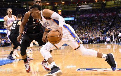 """Избрано от НБА: Феноменален Уестбрук донесе победа на """"Тъндър"""" над """"Клипърс"""""""