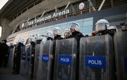 Турската полиция арестува 164 кюрди след размирици в Истанбул