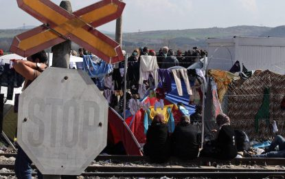 НАТО: Русия и Сирия нарочно бомбардират Европа с бежанци