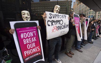 """Apple спечели първа битка от """"войната"""" с ФБР"""