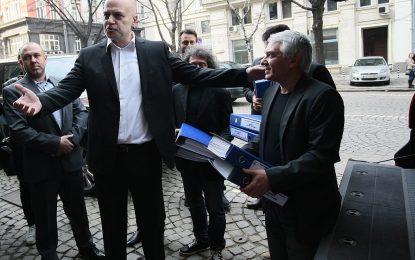 Референдумът на Слави Трифонов е валиден