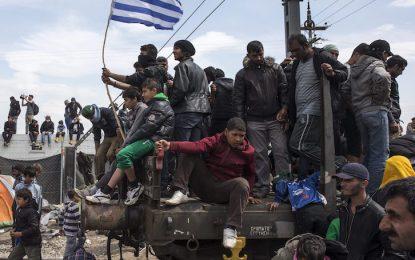 Гърция се бори за намаляване на дълга с нови икономии