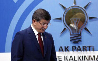 Турция с нов премиер, Давутоглу става депутат