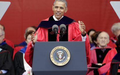 Обама разкритикува невежеството на Тръмп пред студенти в САЩ