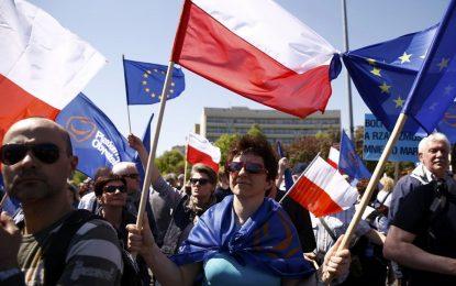 240 000 души протестираха срещу правителството на Полша
