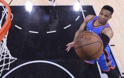 """Избрано от НБА: Уестбрук пречупи """"Спърс"""" в Сан Антонио"""