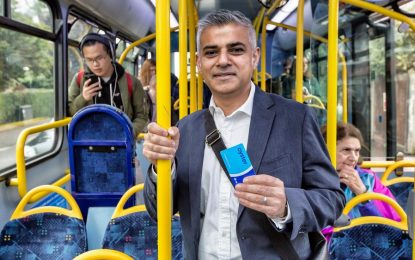 Новият кмет на Лондон въвежда автобусен билет с прекачване