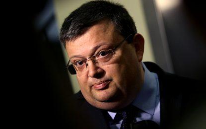 Цацаров се оплака на ЕК, че от мониторинга боли